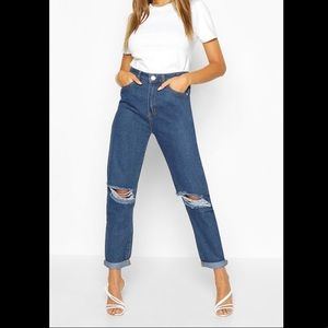 NWT Boohoo High Rise Distressed Jeans